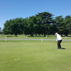 ゴルフ、英語、そして社交性