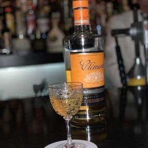 小松のオーセンティックバー「エスメラルダ」昨年末クリスマス前にシャンパンカクテルで乾杯