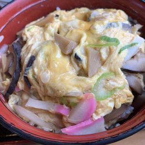 お久しぶりシリーズは小松市福乃宮町「中佐本店」うどんの老舗ですが今回食べたのは木の葉丼