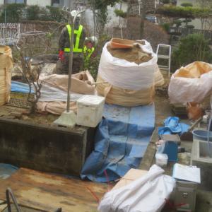 庭に埋めた放射線汚染土搬出・・・2月17日