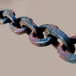 見えない鎖を引きちぎれ