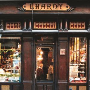 美しい老舗レストラン・Lhardy