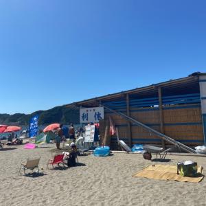 逗子海岸「海の家 利休 」灼熱のビーチ酒!これに勝てるヤツがいたら連れて来い!!