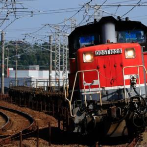 休日の貨物列車