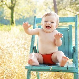もっと早く買えば良かった!赤ちゃんとの外食で椅子に困らないアイテム