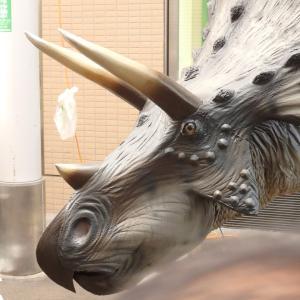 『恐竜だらけの商店街(ジュラシックアーケード2019)』