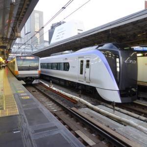E353系「かいじ号」@新宿駅