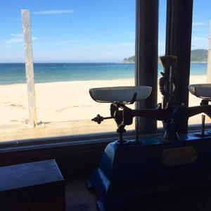 海を満喫! 潮風に抱かれる海辺のカフェ