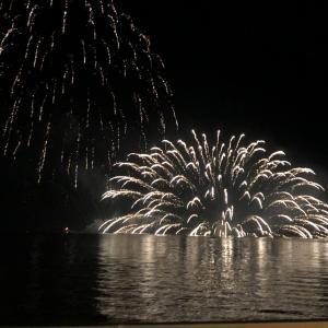 ☆2020年10月の紅葉とスイーツの旅1日目①〜洞爺の花火と恵庭渓谷と
