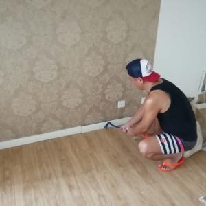 家のリフォーム【巾木とドアを剥がすの巻】