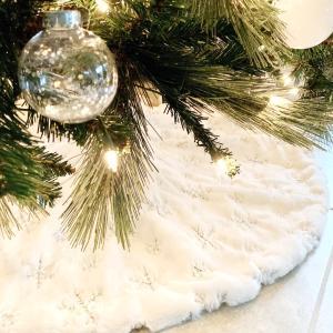 クリスマスツリースカート、届く