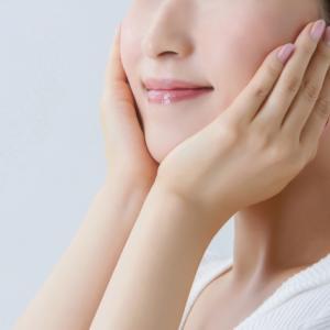顔のたるみの解消にはまずリンパマッサージを試そう!正しいやり方を解説します。