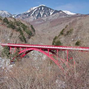 八ヶ岳散歩(赤い橋)東沢大橋