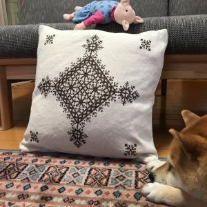 モロッコ刺繍on 無印クッションカバー