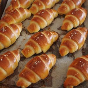 私のパン作り&皆んな大好き♡塩バターロール