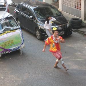 突然の朝のパレード