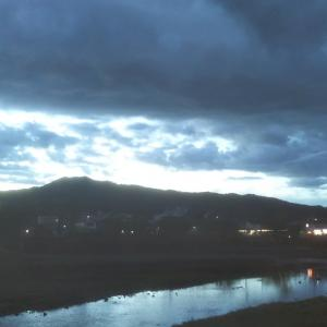 京都    東山    夜明け前