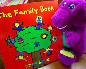 いろいろな形の家族の英語絵本 The Family Book