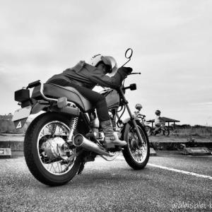 バイク乗車姿勢★ハイウェイ マジシャンによるハードレッスン
