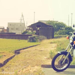 【廃墟】養鰻池跡で、バイク写真☆YAMAHA SR125