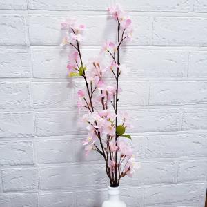 ダイソーの造花でお花見