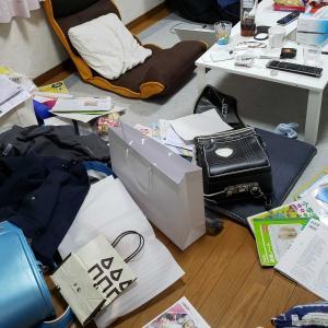 部屋が荒れたまま新学期に突入しました