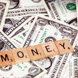 世の中はお金で評価される