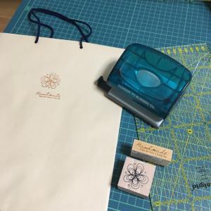 紙バッグを手づくりした。A4茶封筒と紐とハンコと…