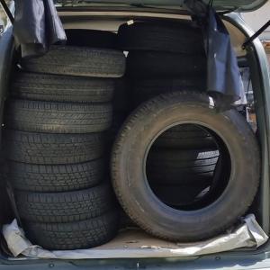 地味に忙しい! タイヤ取りに行く暇が無い。