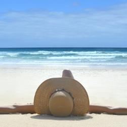 サーファーが推奨するUV対策『飲む日焼け止め』を紹介