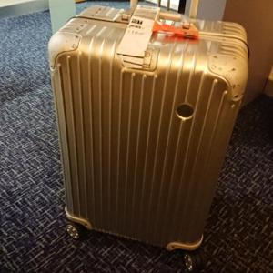 プラハ国際空港に到着したものの出てこないスーツケース 止まるベルトコンベアー ・・・ロストバゲージ発生! その後の対応と流れ 【2019年旅行記14‐7】