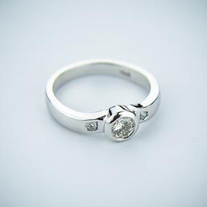「婚約指輪はいらない」という結婚とその後