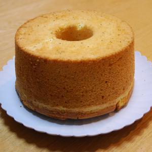 昨日の続き♪  シフォンケーキできました。