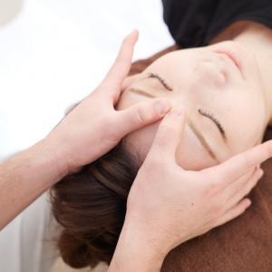 サロンで大人気のオプションメニュー『癒しのヘッドマッサージ』40分間頭皮や首肩を緩めていきます