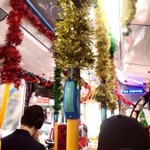 めちゃくちゃクリスマスな公共バス