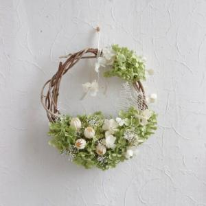 white buds and annabel wreath