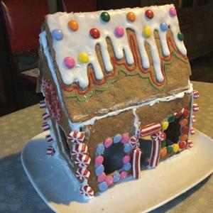 お菓子の家に悪戦苦闘