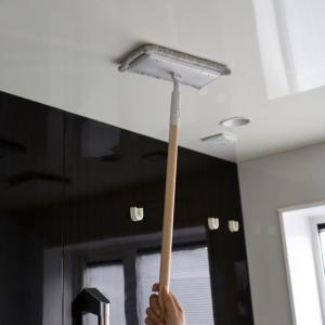 床掃除は【無印】しか勝たん!早よ買えばと後悔した1本10役以上のツワモノ*