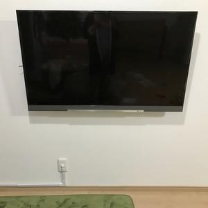 《インテリア》壁掛けテレビにしました