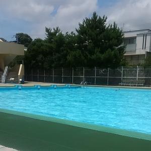 プールに行ってきました♪