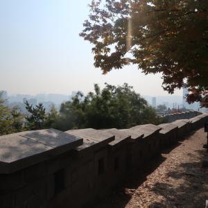 駱山公園と梨花洞壁画村