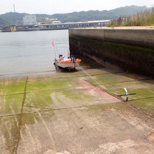 スロープ上、ウインチでボート引き上げ。 2020年6月5日(金)