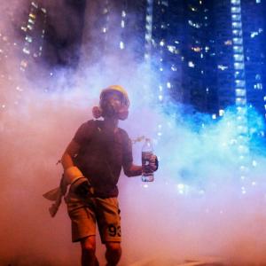 香港デモの背後にいる黒幕とは