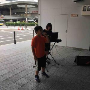 高崎駅で歌いました