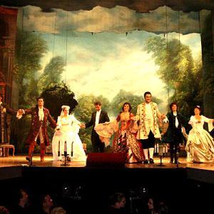 2006中欧魅力の街巡り【ブダペスト②】応用美術館、中央市場、カフェ・ツェントラル、交通博物館、夜はオペラ「フィガロの結婚」