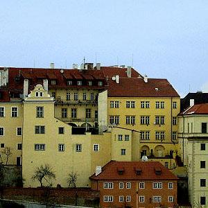 2004冬の中欧・オペラとビール三昧 ⑤ プラハ城・聖ヴィート大聖堂などブルタバ川から西部の観光スポット巡り、夕食は今宵もビアホールで