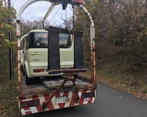安中市から車検の切れたパンクの不動車をレッカー車で廃車の引き取りしました。