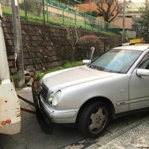 中原区から不動車の外車をレッカー車で廃車の引き取りしました。