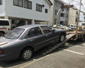 高津区からパンクの不動車をレッカー車で廃車の引き取りしました。