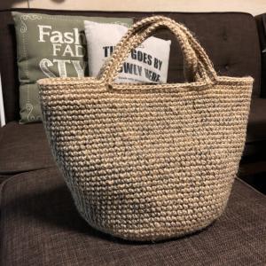 秋の麻ひもバッグ